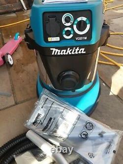 Makita dust extractor/ wet & dry hoover